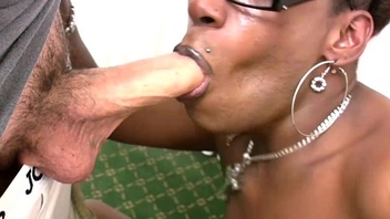 Tranny in glasses purses big black ass and deepthroats cock
