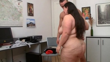 Fat whore gets her snatch pounded
