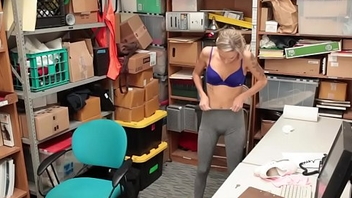 Naughty shoplifter cummed