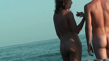 An excellent spy cam nude beach voyeur video